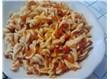 Közlenmiş kırmızı biberli ve domates soslu makarna