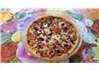 Domates soslu, sucuklu, sosisli pizza
