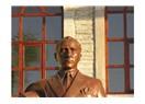İnebolu' daki Atatürk heykeli Atatürk' e benziyor mu?