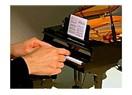 Dunya'nin en kucuk piyanosu...