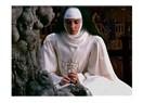 Türbanlı yerine rahibe de olabilirlerdi