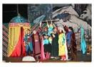 Azeri tiyatrocular, Mersin'de büyük beğeni topladı...