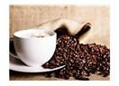 Akdenizli bir kadın Kahve sever..