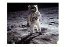 Ay' a gittiyseniz neden vuruyorsunuz?