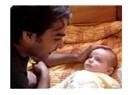 Bir babanın oğluyla çekirdek çitlemesi