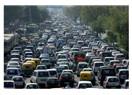 Cumartesi sabahı Tiran trafiğinde