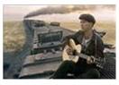 David Carradine  Woody Guthrie'yi canlandırmıştı