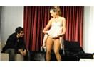 Tiyatroda moda: Erotik sahneler!