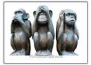 Kendine yabancılaşmanın adı; Üç maymunu oynamak!