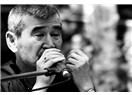 Toplumcu şair Ahmet Telli.. Ve okuru bir deli..