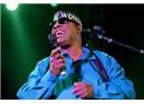 Efsanevi şarkıcı Stevie Wonder'ı o bizi göremese de dünya gözüyla görmek...