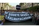 İzmir'de kamu çalışanlarına yönelik şiddet protesto edildi