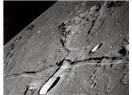 """Ay ikiye bölündü…""""Kıyâmet yaklaştı, ay yarıldı. Onlar bir mucize görseler yüz çevirir ve..."""""""
