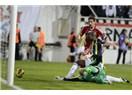 Sow'lu Fenerbahçe ve Niang'lı Beşiktaş derbisini, Olcay'ın son saniye golü belirledi