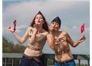 Femen'den hosteslerimize çıplak destek