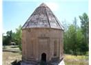 Türkiye sınırları içerisinde Kara Koyunlu devletine ait tek kitabe: Kadem Paşa Hatun Kümbeti