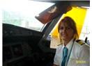 Hosteslikten uçak pilotluğuna: Dikkat! Kokpitte kadın var!