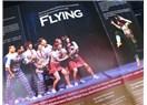 Güney Kore'nin FLYING Şovu uçarken güldürüyor