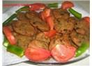 Fırında sebzeli bayat ekmek köftesi