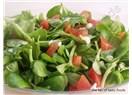 Domatesli semizotu salatası