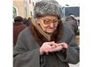 Sorun insanları 65 yaşında emekli etmek değil, 40 yıl çalıştırıp 1000 lira emekli maaşı vermek