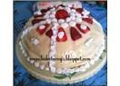 Tencerede çilekli pasta (diyet)