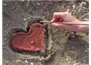 Aşkın yolu bir ummandır