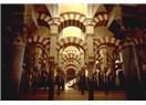 Endülüs Emevileri'ni, İspanya'da 700 yıl yaşayan Müslümanları lütfen unutmayın!
