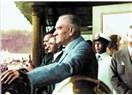 Atatürk'ü, her geçen gün daha da seviyorum.