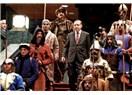 Askeri bornoz giyen hangi Türk devleti kanka?