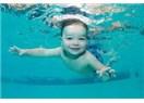 """""""Suyu sevdiricem!"""" diyenler, denizden korkutuyor çocuğu"""