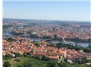 Yeniden Prag