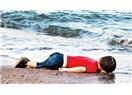 Aylanım sahilde sen değil insanlığımız öldü