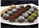 Sevgililer günü için çikolatalı sevgi topları