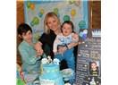 Pastayı anne baba üfler çocuk 1 yaşına girer!