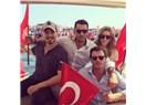Çağatay Ulusoy, Kenan İmirzalıoğlu, Sinem Kobal ve Kıvanç Tatlıtuğ Demokrosi Mitinginde!