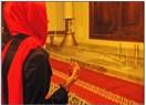 Diyanet camilerde kadınları aşağılayan afişleri kaldırtsın!
