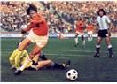 Futbol Tarihinin Unutulmaz Efsanelerinden Johann Cruyff'a saygı ile...