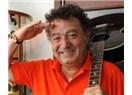Türk Pop Müziğimizin İkonlarından Kayahan'a saygı ile...