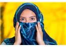 Arabistan'daki Müslüman kadın başını örtüyorsa zoraki, İsveç'teki Müslüman kadın örtüyorsa isteyerek
