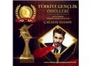 Çağatay Ulusoy'a 2016'nın En İyi Erkek Sinema Filmi Oyuncusu Ödülü!