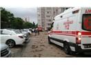 İstanbul'da fırtına Kadıköy'ü alt üst etti