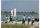 """Maldiv Adaları'ndaki Üçüncü Günlerinde """"Abla"""" ve Kızkardeşleri, Küçük Bir Düğün Törenine Tanık Olur"""