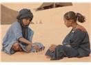 Arapların Başka Ülkelere Yatırım Yapmaları Normal, Paralarını Çöle mi Gömsünler