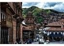 """Peru'daki Yedinci Günlerinde """"Abla"""" Grubu, Cusco'da Serbestçe Gezerler"""