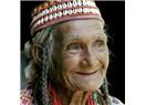 İleri Yaşta Kişisel Bakımın Genç ve Güzel Olmaktan Çok Yaşlı Görünmemek İçin Yapılması Daha Anlamlı