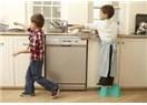 Çocuklara Ev İşi Yaptırın
