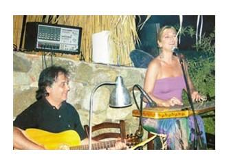 Bodrum'un elegan şarkıcısı: Birsen Tezer