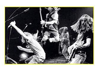 """Pearl Jam ile kollar yeniden """"V"""""""