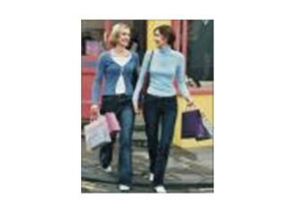 Kadınlar alışverişte